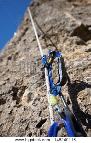 Ascender placed in a white rope.