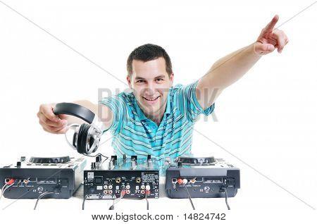 hombre joven dj con auriculares y disco compacto equipo de dj