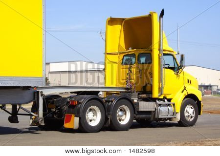 Articulated Truck5
