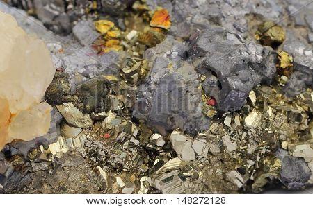 Mineral composite, pyrites, pirhotin, calcite and marmatit