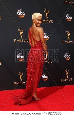 LOS ANGELES - SEP 18:  Sibley Kristine Scoles at the 2016 Primetime Emmy Awards - Arrivals at the Microsoft Theater on September 18, 2016 in Los Angeles, CA