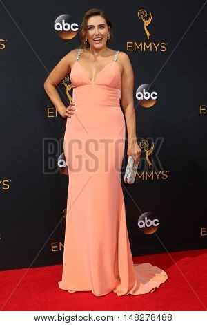 LOS ANGELES - SEP 18:  Lauren Adams at the 2016 Primetime Emmy Awards - Arrivals at the Microsoft Theater on September 18, 2016 in Los Angeles, CA