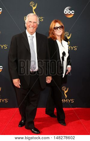 LOS ANGELES - SEP 18:  Henry Winkler, Stacey Weitzman Winkler at the 2016 Primetime Emmy Awards - Arrivals at the Microsoft Theater on September 18, 2016 in Los Angeles, CA