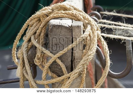 knot on the rope in the farm