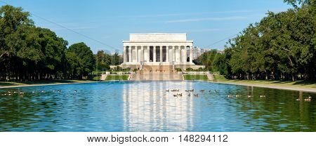 High resolution panoramic view of the Lincoln Memorial in Washington D.C. and its reflection on the famous nearby pool