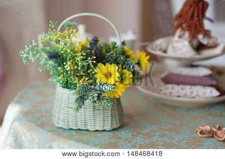 beautiful bouquet of flowers in a vase on the table.