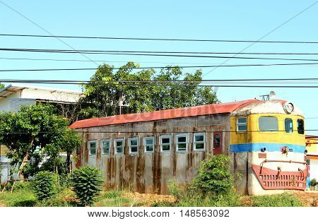 old home design like a bus. with electric cable.