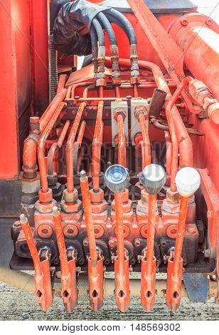 The Multi control by Hydrolic handle control