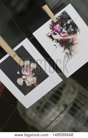 The two wedding clipped card, with flowers