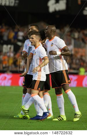 VALENCIA, SPAIN - SEPTEMBER 22nd: Valencia players during Spanish soccer league match between Valencia CF and Deportivo Alaves at Mestalla Stadium on September 22, 2016 in Valencia, Spain