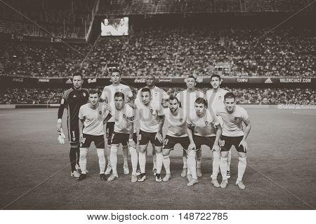 VALENCIA, SPAIN - SEPTEMBER 22nd: Valencia Team during Spanish soccer league match between Valencia CF and Deportivo Alaves at Mestalla Stadium on September 22, 2016 in Valencia, Spain