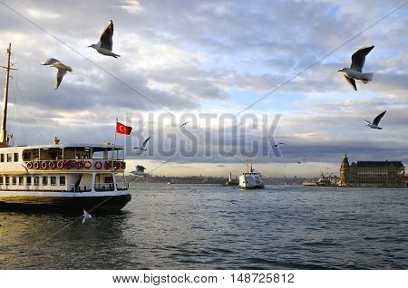 Istanbul throat historic Haydarpasa train station and the ferry. Ferries in Istanbul commuter ferries have been operating on the Bosphorus since 1851. Boats have traversed the waters of the Bosphorus for millennia and until the opening of the first Bospho
