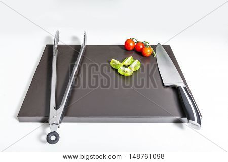 Cooking utensils and vegetables