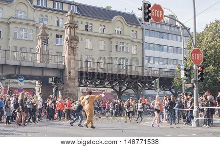 BERLIN GERMANY - SEPTEMBER 25 2016: Spectators And Runners At Berlin Marathon 2016