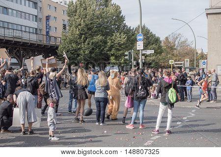 BERLIN GERMANY - SEPTEMBER 25 2016: Spectators At Berlin Marathon 2016