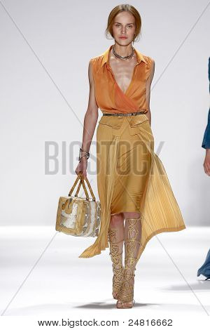 Elie Tahari - Runway - Spring/Summer 2012 Collection - New York