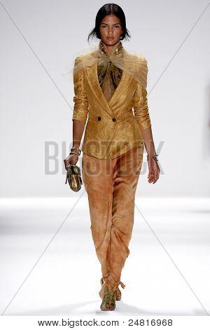 Elie Tahari - Runway - Spring/Summer 2012 Collection - New York