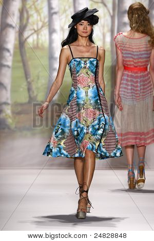 Tracy Reese - Runway - Fall/Winter 2011 Collection - New York Fashion Week