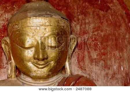 Myanmar, Bagan: Statue In Dhammayangyi Temple