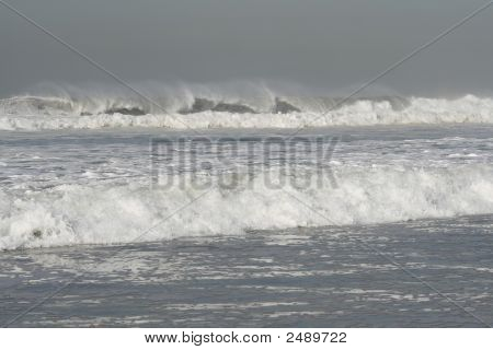 High Waves In A Dangerous Ocean