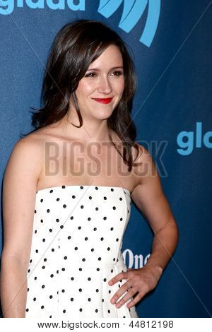 LOS ANGELES - APR 20:  Shannon Woodward arrives at the 2013 GLAAD Media Awards at the JW Marriott on April 20, 2013 in Los Angeles, CA