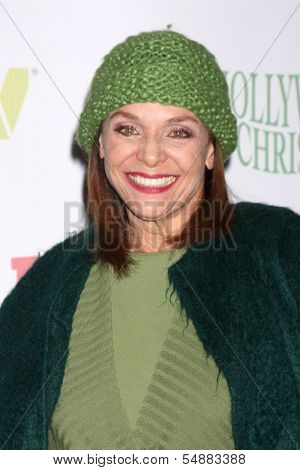 LOS ANGELES - DEC 1:  Valerie Harper at the 2013 Hollywood Christmas Parade at Hollywood & Highland on December 1, 2013 in Los Angeles, CA