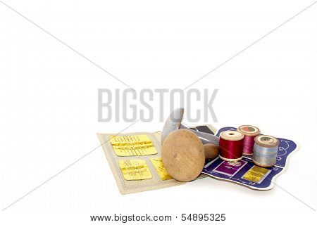 Assortment Of Sewing Needles Darning Tools And Cotton On Reels