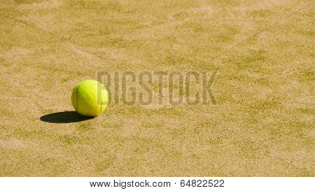 Tennis Court  With Balls