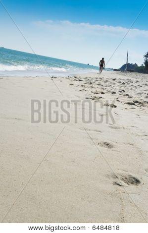 Walking Lamai Beach Koh Samui