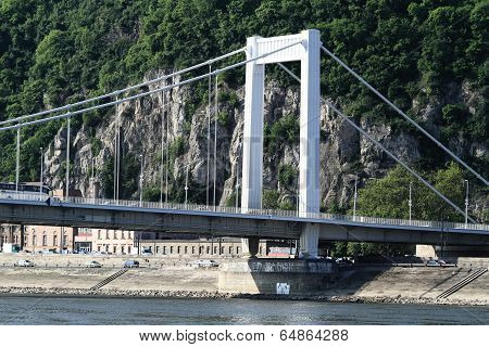 Erzsebet-bridge