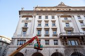 pic of cherry-picker  - Crane working in the Trieste building - JPG