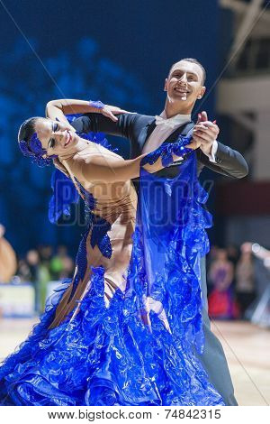 Minsk-belarus, October 19, 2014: Unidentified Dance Couple Performs Adult Standard European Program