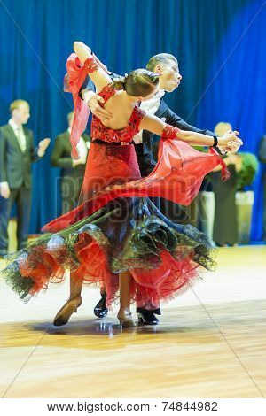 Minsk-belarus, October 19, 2014: Unidentified Dance Couple Performs Youth-2 Standard European Progra