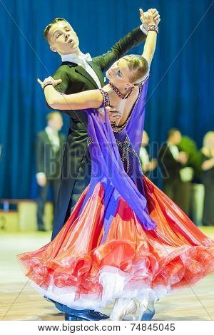 Minsk-belarus, October 19, 2014: Danila Shmidt-gumenyuk Alina Perform Youth-2 Standard European Prog