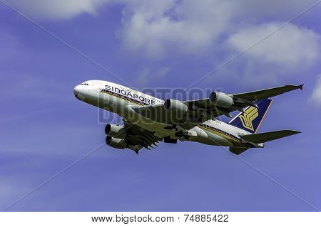 Singapore Airlines Takeoff From London Airport