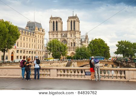 Pont Saint-michel. Bridge Across Seine River, Paris