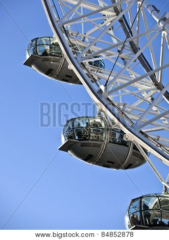 LONDON, UNITED KINGDOM - DEC 29: London Eye, Europes tallest ferris wheel overlooking the River Thames on December 29, 2013 in London