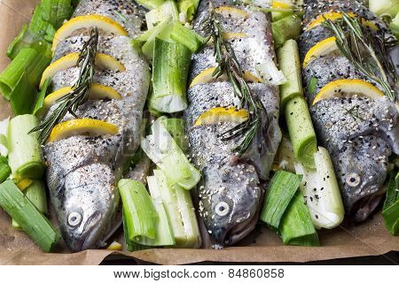 Cooking trout fish with lemon