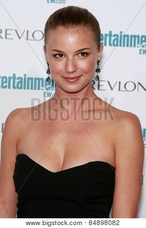BEVERLY HILLS - SEP 20: Emily VanCamp at the 6th Annual Entertainment Weekly Pre-EMMY party  on September 20, 2008 in Beverly Hills, California