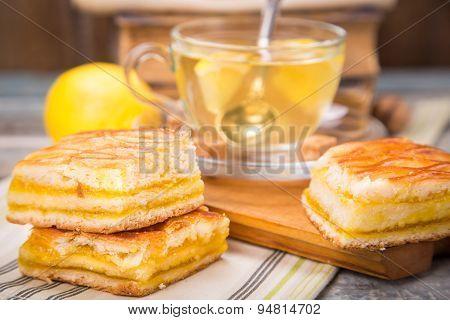 Lemon Pie With Tea