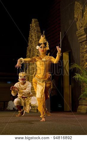 Traditional Cambodian Ramayana dance showing 2 dancers
