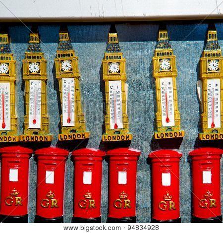 Souvenir    In England London Obsolete  Box Classic British Icon