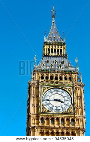 London Big Ben And  Construction England  Aged City