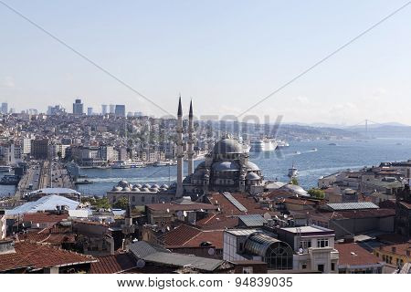 View of the New Mosque, Galata Bridge, Golden Horn and the Bosphorus. Istanbul. Turkey.