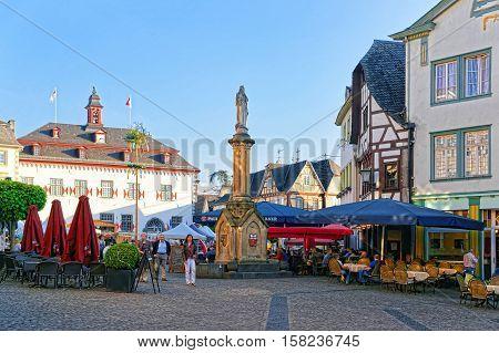 City Hall And Street Market Marktplatz Linz Am Rhein