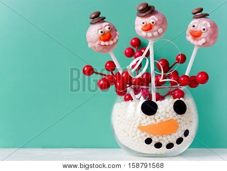 Snowman cake pops - Christmas treat for kids