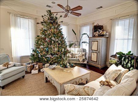 elegant livingroom decorated for christmas