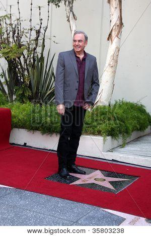 LOS ANGELES - 10: Neil Diamond em uma cerimônia concedendo uma estrela na calçada da Fama, para