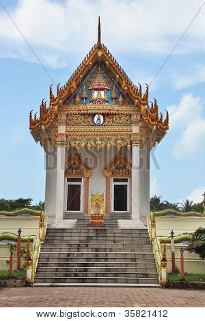 The majestic and beautiful Buddhist temple on the island of Koh Samui