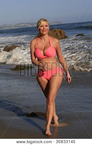 MALIBU - AUG 13: Ariane Bellamar who currently stars  in ABC Family's